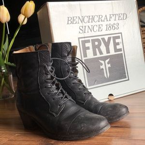 Frye Courtney Lace Up Soft